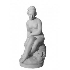 Venus assise